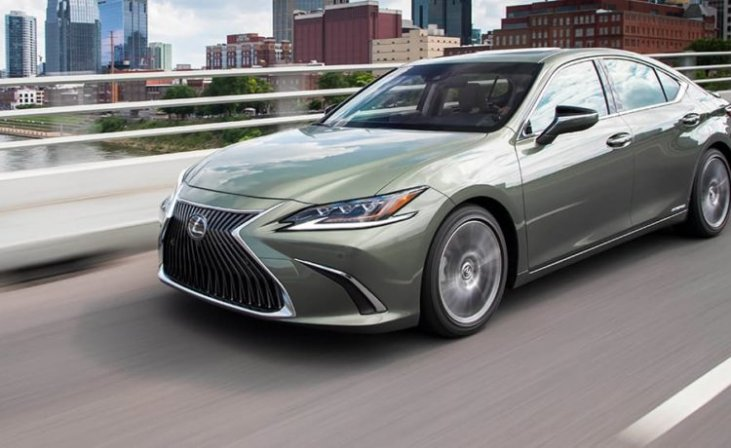 Best Midsize Luxury Sedan >> Lexus Es 300h Crowned Best Midsize Luxury Sedan Autodrift Ae