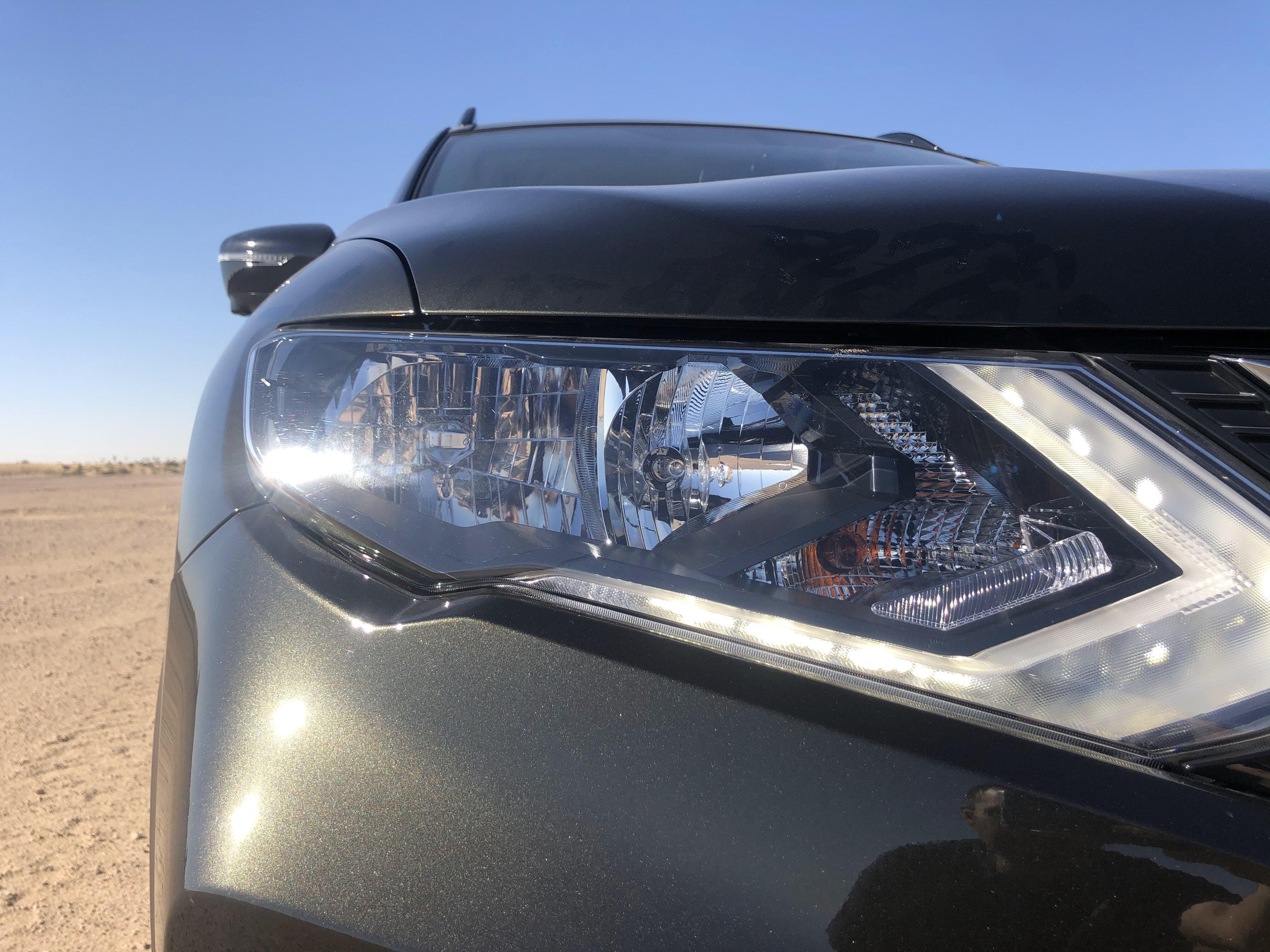 Nissan X-TREMER 2020 headlights