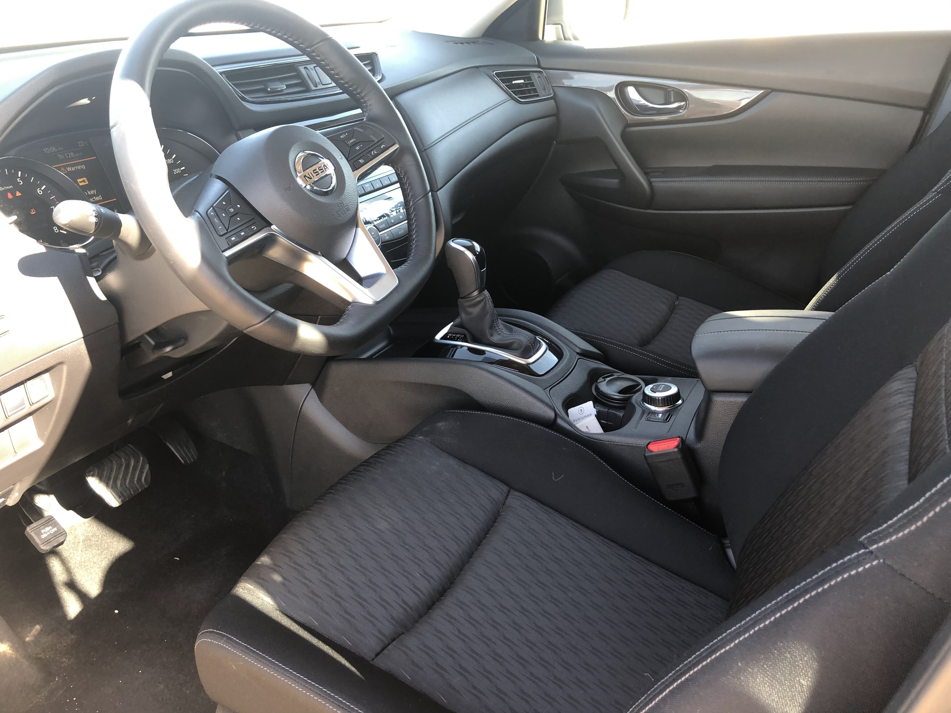 driver's seat in Nissan X-TREMER 2020