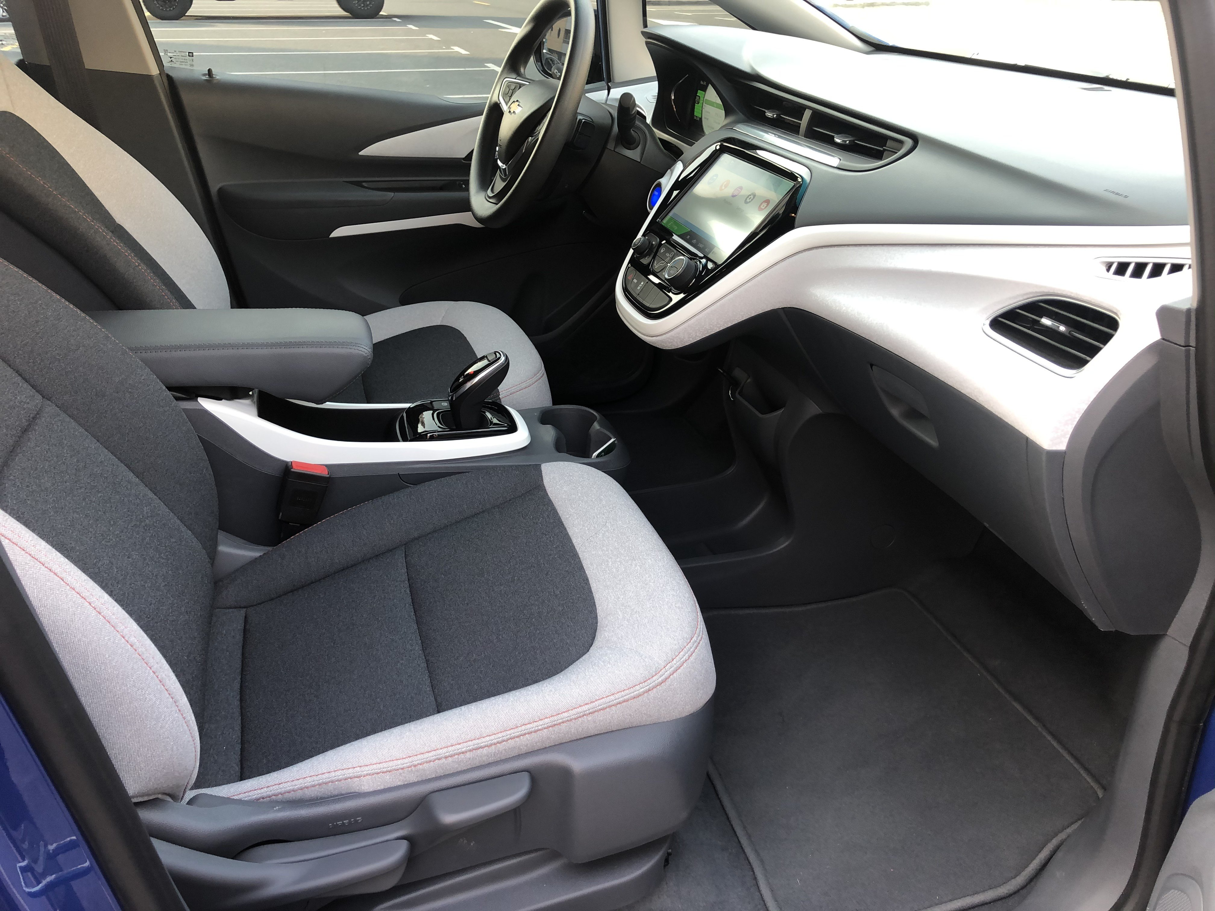 2019 CHEVROLET BOLT EV Interior leg room