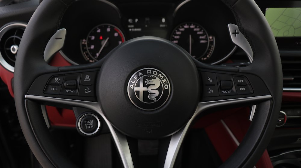 Alpha Romeo Stelvio Steering wheel