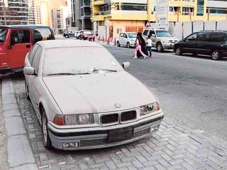 Dubai Municipality announced a system to remove abandoned vehicles from Dubai roads by sending text messages to their respective owners