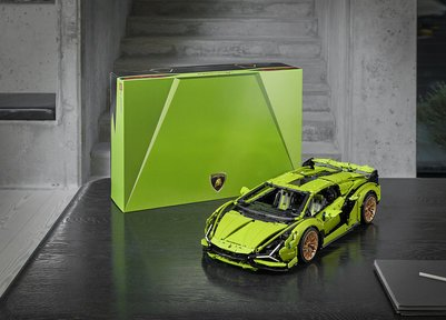 Lamborghini and the LEGO Group have built a replica of the Sián FKP 37, V12 engine with 3,696 piece which is 1:8 scale of the original car