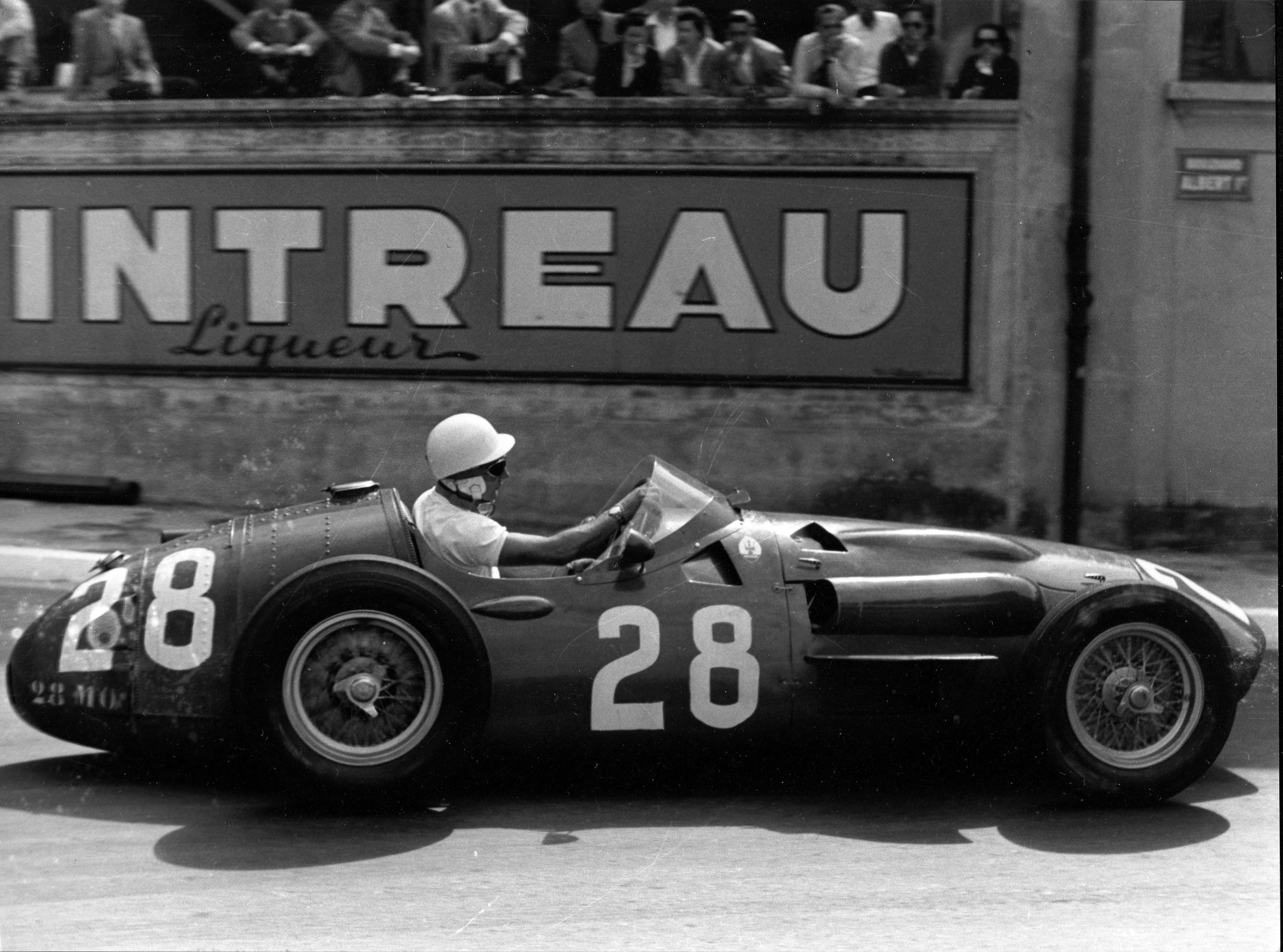 Maserati dedicates MC20 to Sir Stirling Moss passing at the age of 90. His legendary victory at Monaco F1 Grand Prix on 13 May 1956 in Maserati 250F
