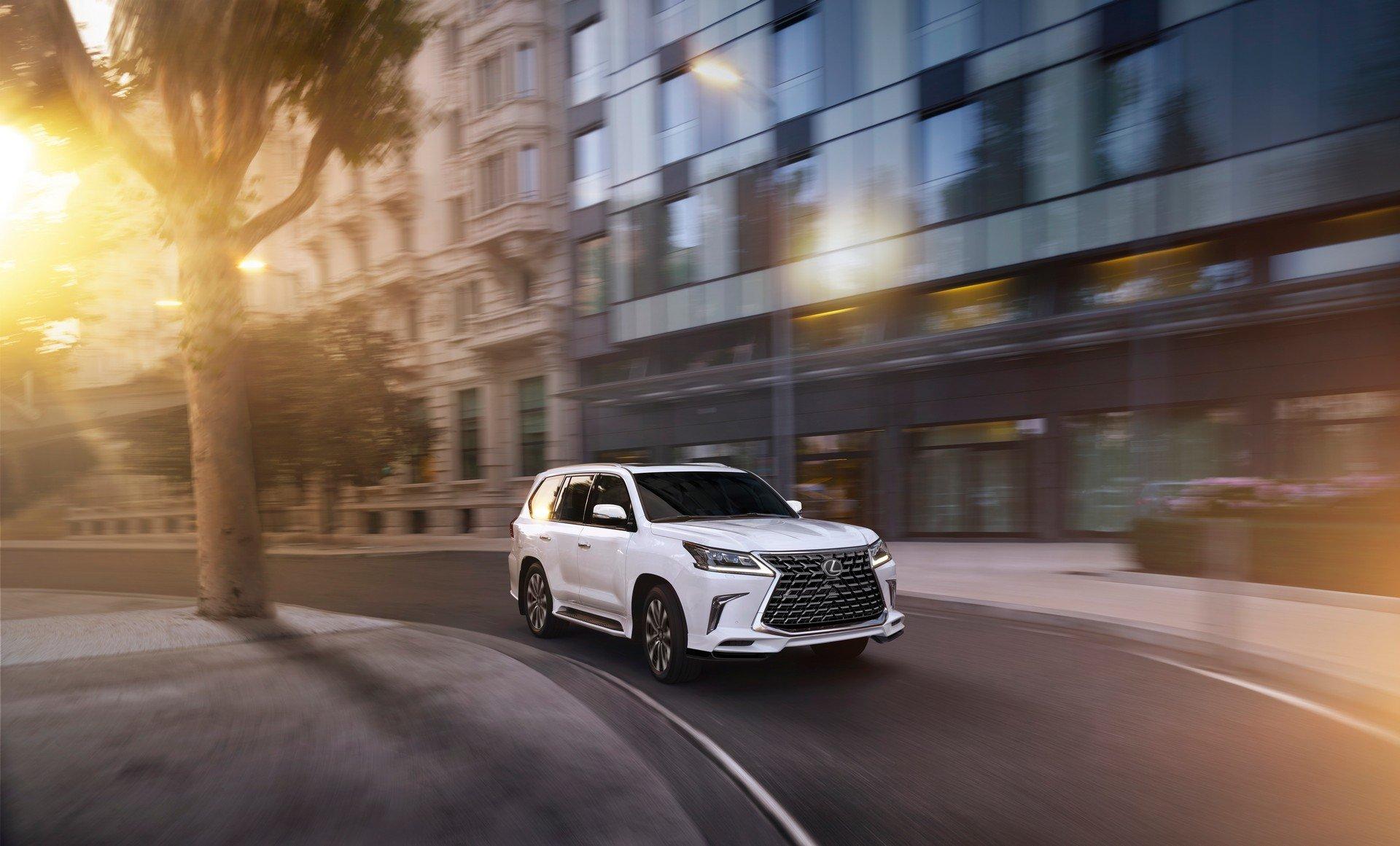 2021 Lexus LX 570 Ratings