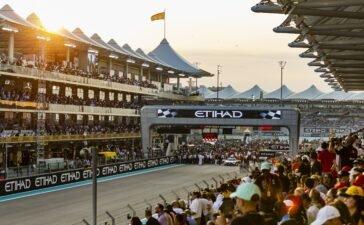 FORMULA 1 Grand Prix 2021 full capacity crowd at Yas