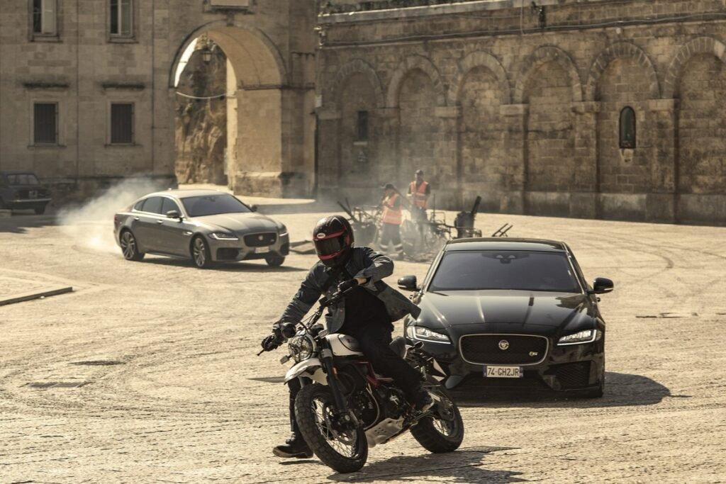 Jaguar XF in No Time to Die
